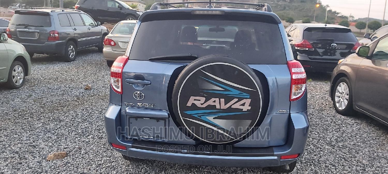 Archive: Toyota RAV4 2010 3.5 4x4 Blue