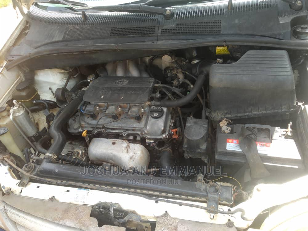 Archive: Toyota Sienna 1999 White