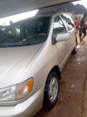 Toyota Sienna 2002 XLE Gold | Cars for sale in Enugu State, Enugu