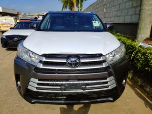 Toyota Highlander 2018 XLE 4x2 V6 (3.5L 6cyl 8A) Gray | Cars for sale in Lagos State, Ogba