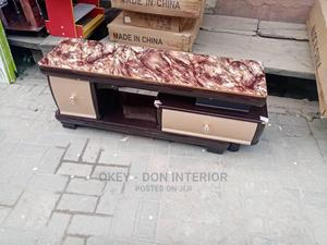 Quality Wooden Glass Top Tv Stand | Furniture for sale in Rivers State, Port-Harcourt
