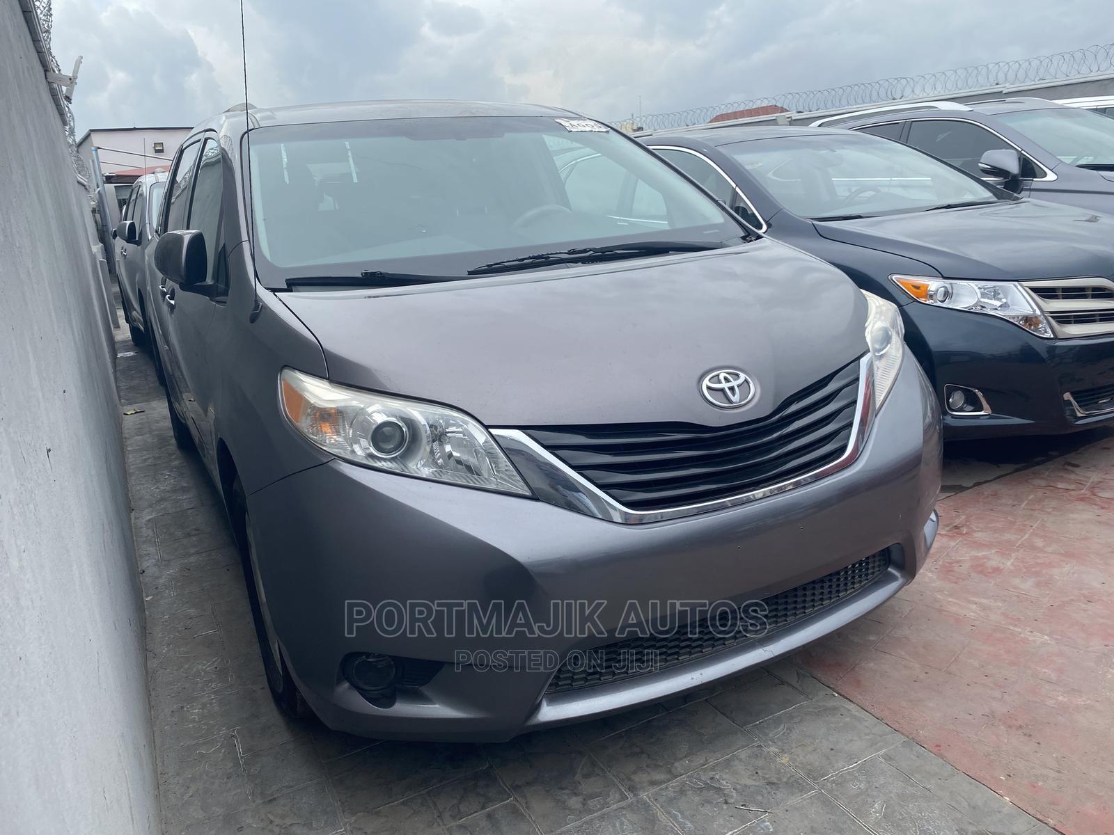 Toyota Sienna 2014 Gray