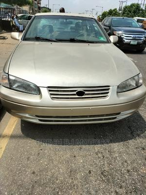 Toyota Camry 2000 Gold   Cars for sale in Lagos State, Ogba