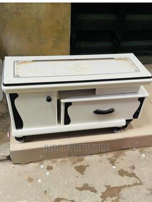 Beautiful Transparent Glass Tv Stand | Furniture for sale in Edo State, Benin City
