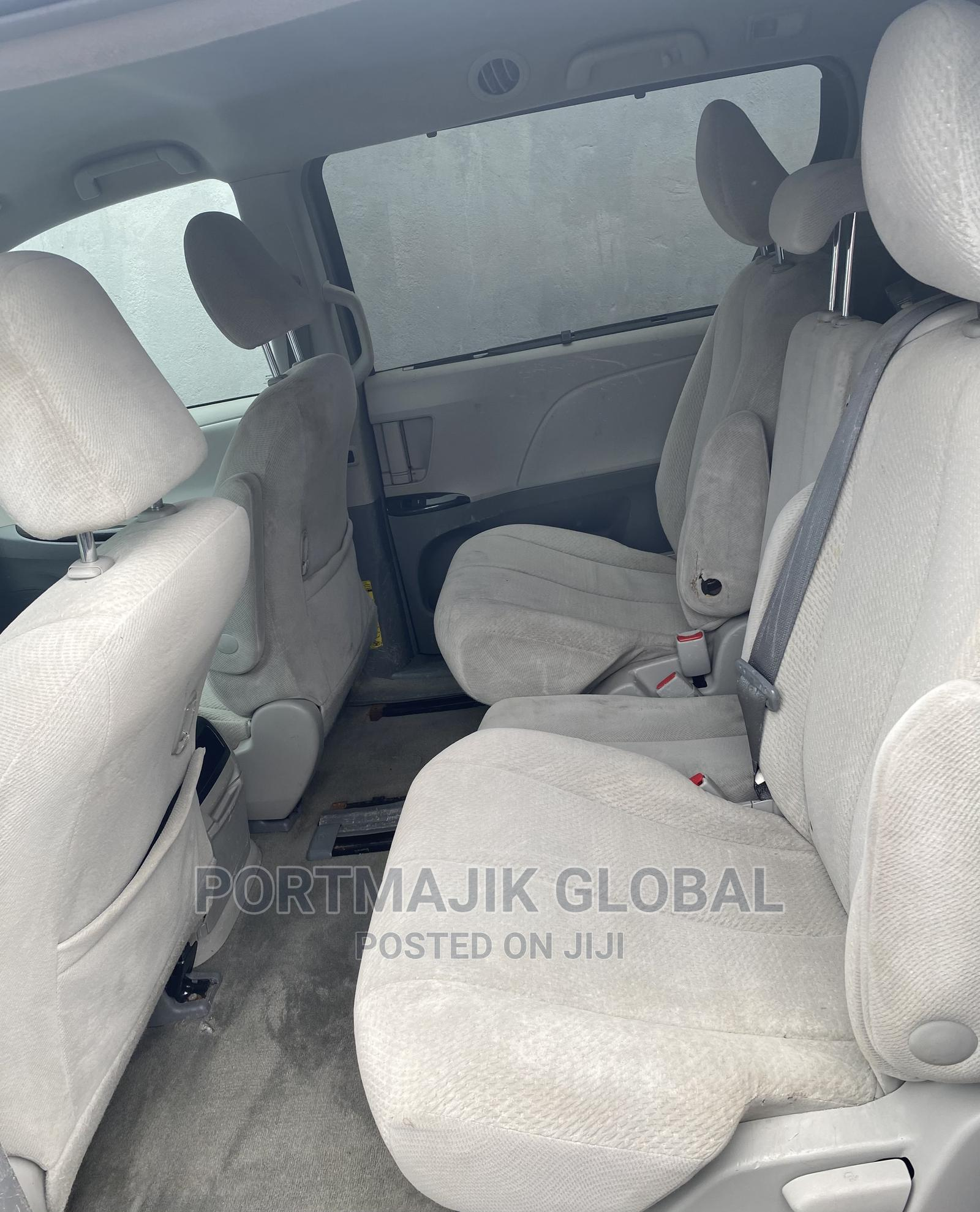 Toyota Sienna 2014 Gray | Cars for sale in Amuwo-Odofin, Lagos State, Nigeria
