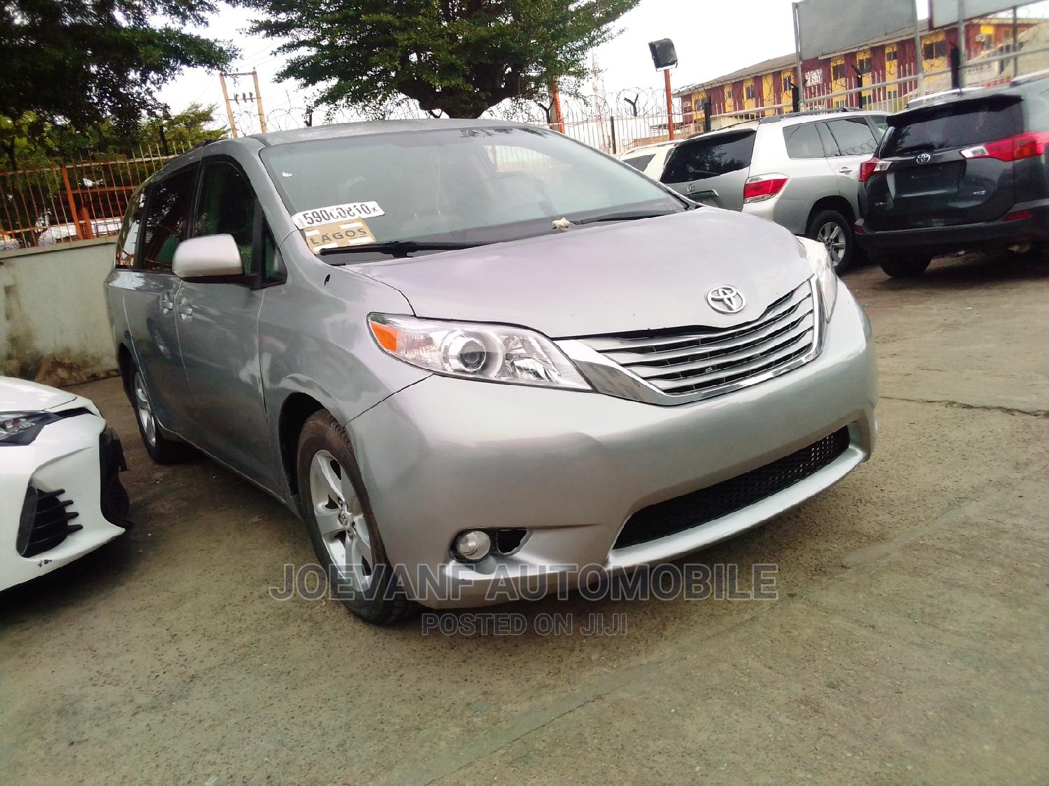Toyota Sienna 2012 Silver | Cars for sale in Isolo, Lagos State, Nigeria