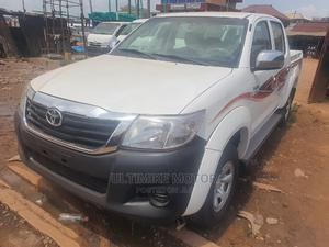Toyota Hilux 2012 2.7 VVT-i 4X4 SRX White | Cars for sale in Oyo State, Ibadan