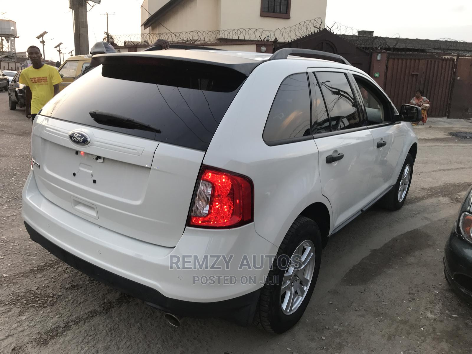 Archive: Ford Edge 2011 SE 4dr FWD (3.5L 6cyl 6A) Pearl