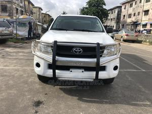 Toyota Hilux 2011 2.7 VVT-i 4X4 SRX White | Cars for sale in Lagos State, Surulere