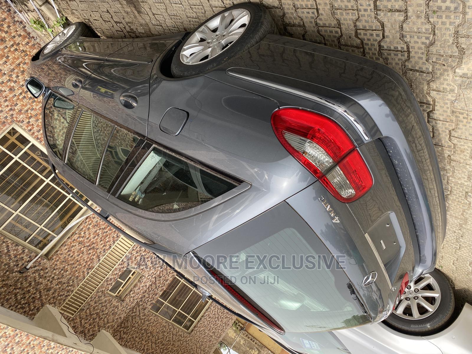 Archive: Mercedes-Benz E350 2009 Beige