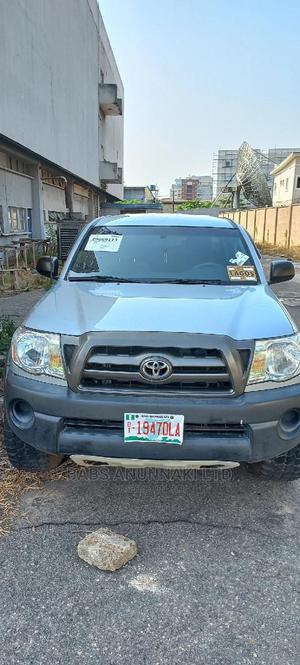 Toyota Tacoma 2009 Double Cab V6 Automatic Silver | Cars for sale in Lagos State, Victoria Island