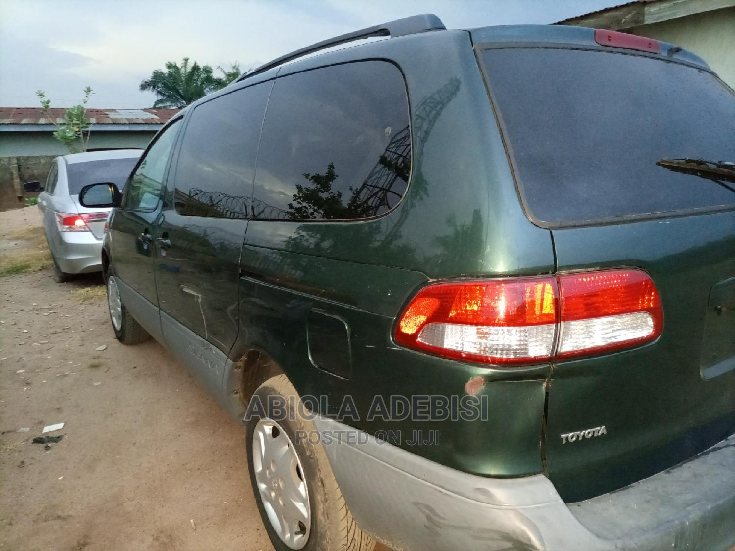 Archive: Toyota Sienna 2003 LE Green