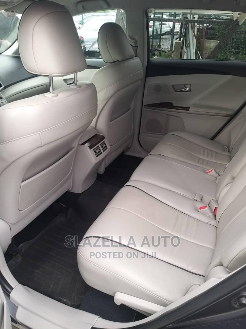 Archive: Toyota Venza 2009 V6 Gray