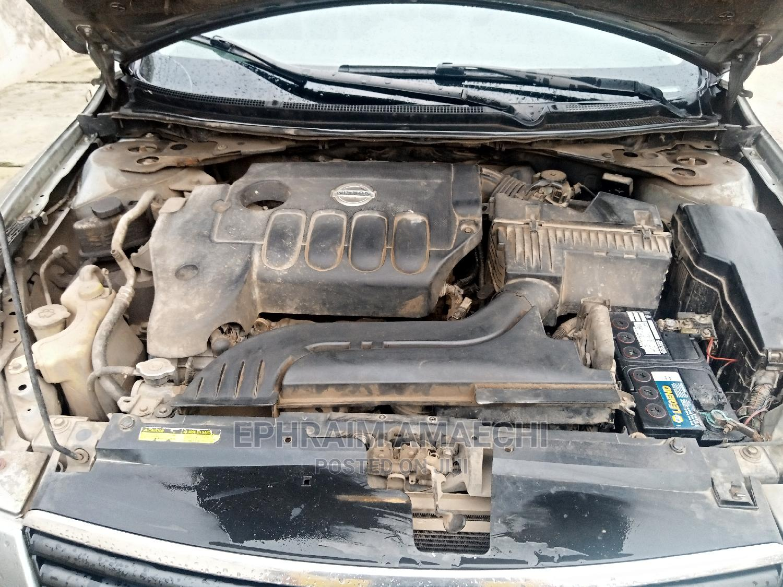 Archive: Nissan Altima 2009 2.5 Gray