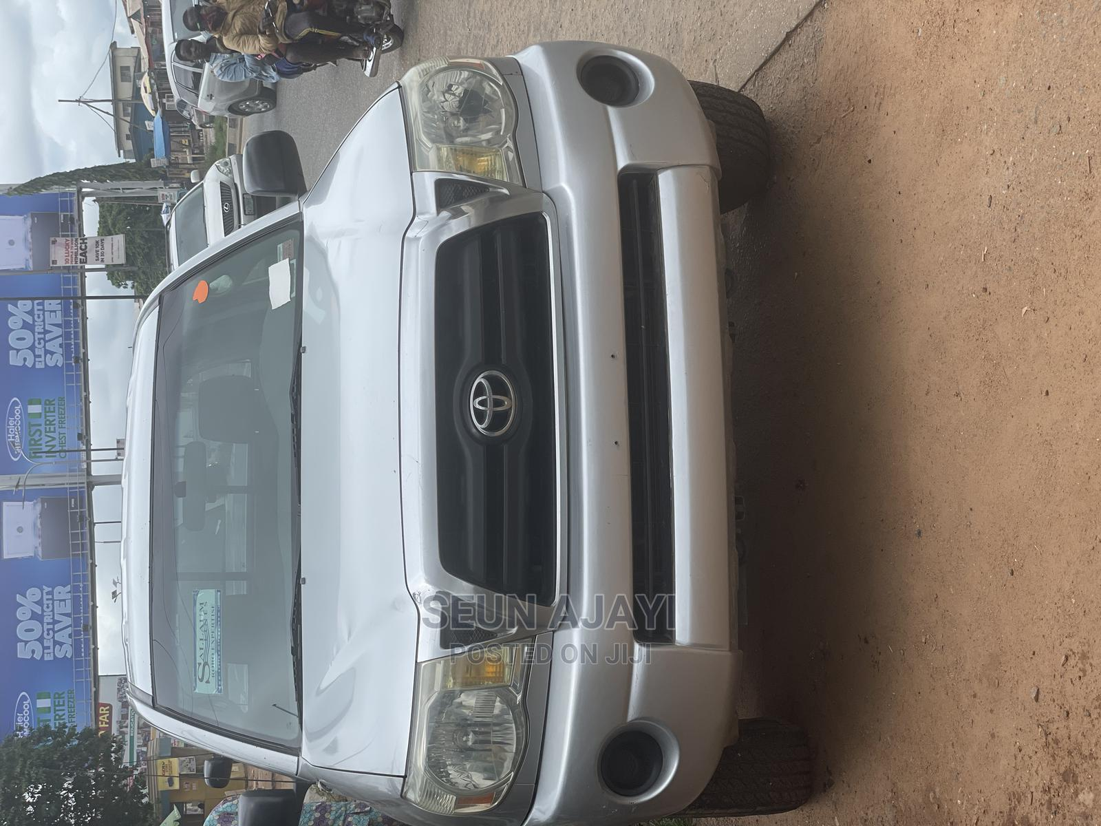 Toyota Tacoma 2005 Access Cab I4 AWD Silver   Cars for sale in Ibadan, Oyo State, Nigeria