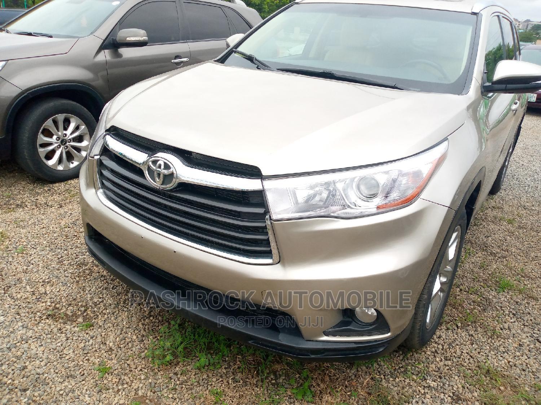 Toyota Highlander 2016 Gold