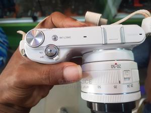 Samsung Nx2000 Wifi Mirrorless Camera 20.3 Mega Pixels   Photo & Video Cameras for sale in Lagos State, Ikeja