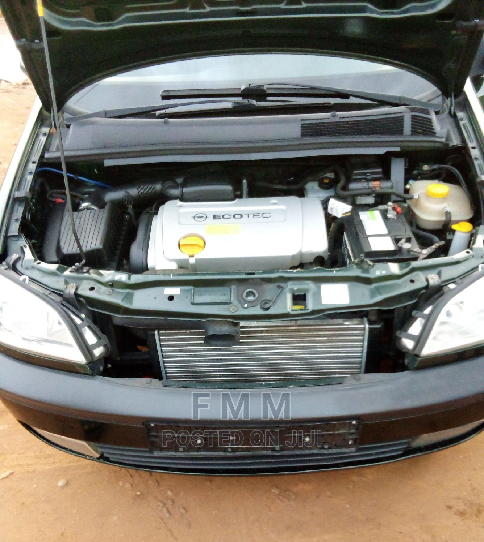 Archive: Opel Zafira 2007 Green