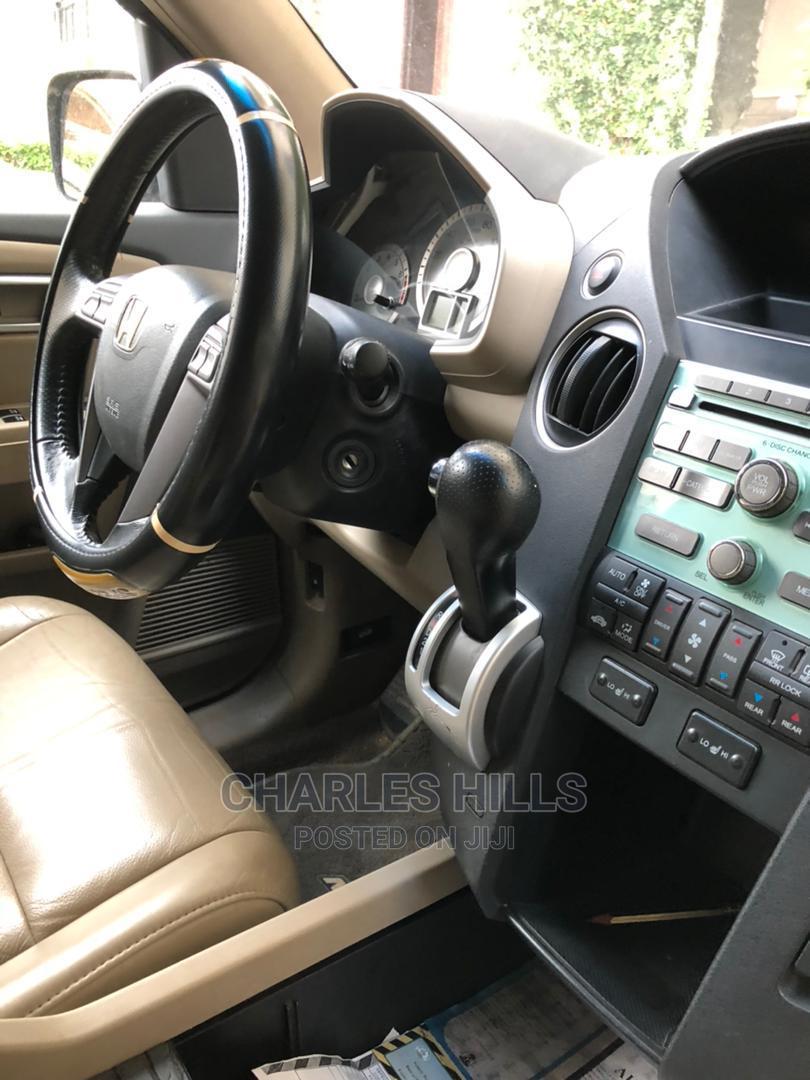 Archive: Honda Pilot 2010 Brown