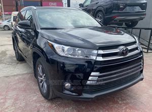Toyota Highlander 2018 XLE 4x4 V6 (3.5L 6cyl 8A) Black | Cars for sale in Lagos State, Amuwo-Odofin
