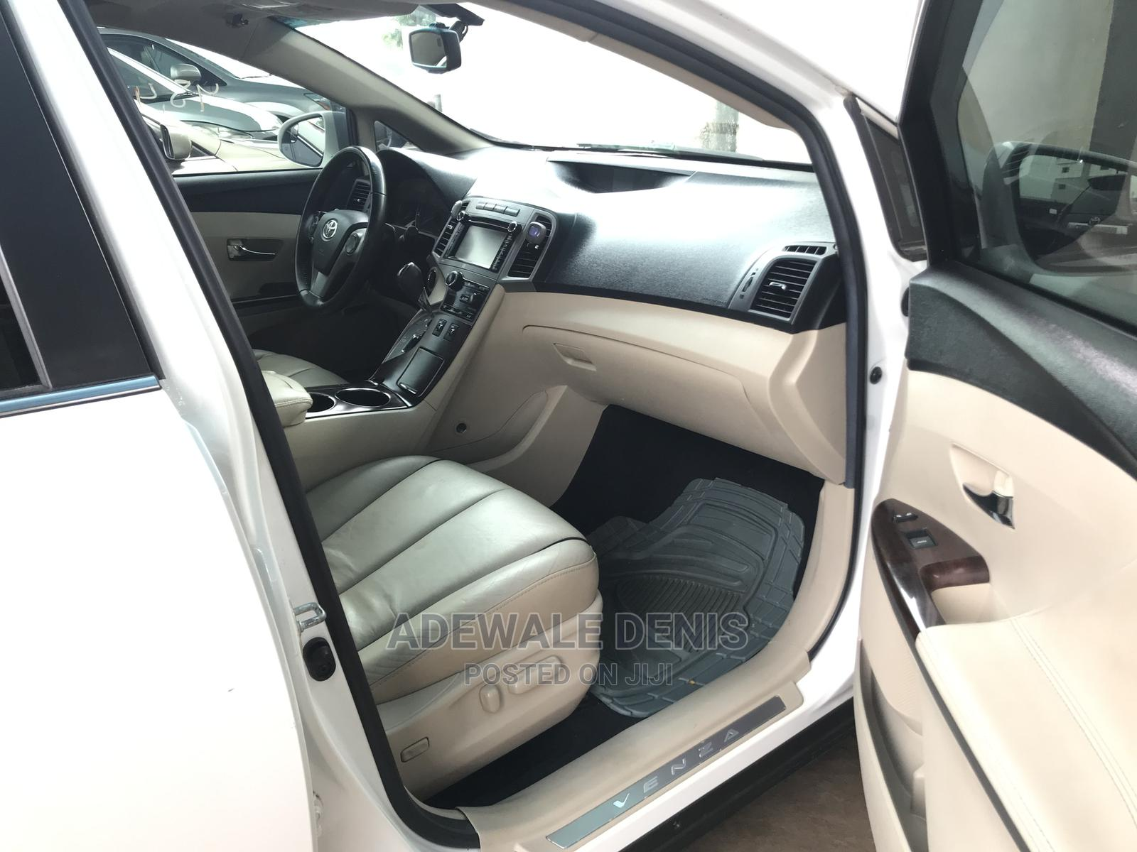 Toyota Venza 2013 XLE AWD V6 White | Cars for sale in Ikeja, Lagos State, Nigeria