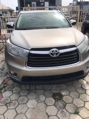 Toyota Highlander 2017 Gold   Cars for sale in Lagos State, Lekki