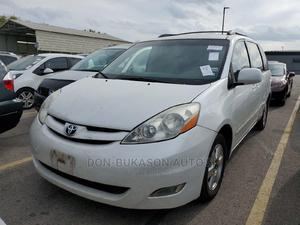 Toyota Sienna 2007 XLE White | Cars for sale in Lagos State, Gbagada