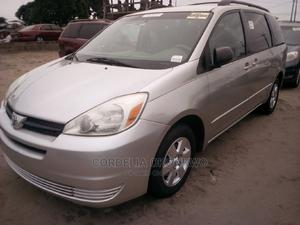 Toyota Sienna 2005 LE AWD Gold   Cars for sale in Lagos State, Apapa