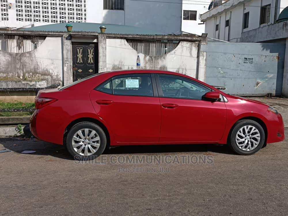 Toyota Corolla 2018 LE (1.8L 4cyl 2A) Red