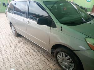 Toyota Sienna 2005 Gold | Cars for sale in Lagos State, Ikotun/Igando