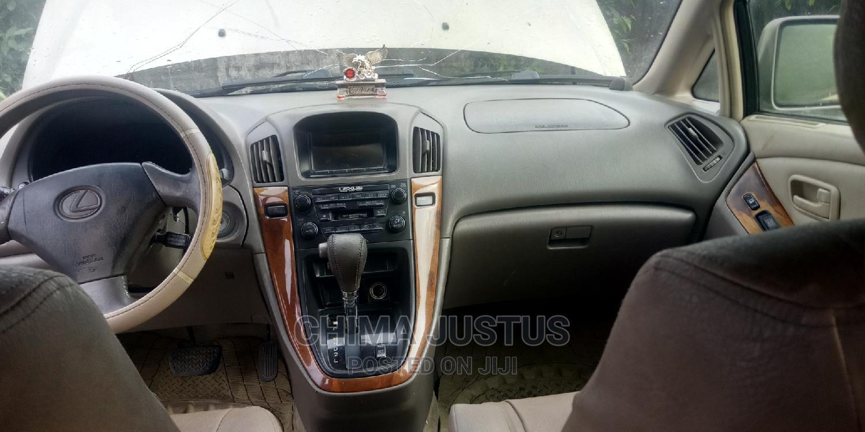 Archive: Lexus RX 2000 Gold