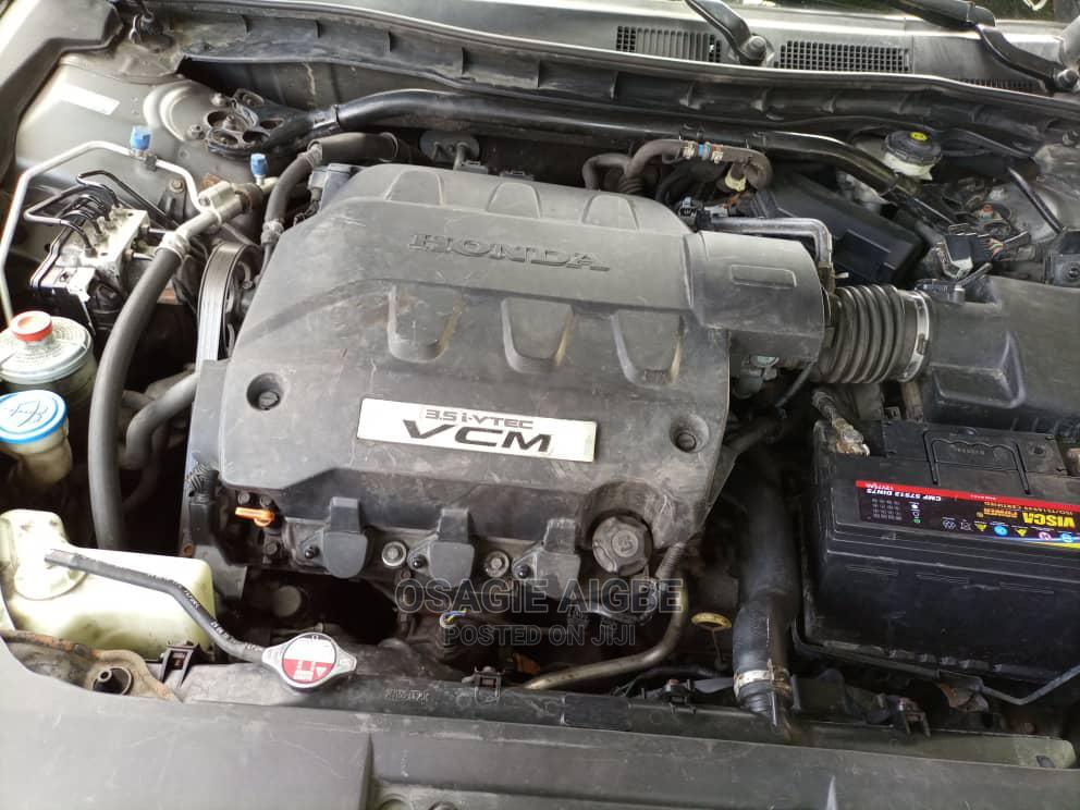 Archive: Honda Accord CrossTour 2011 EX-L AWD Gray