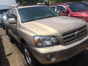 Toyota Highlander 2005 V6 4x4 Gold   Cars for sale in Lagos State, Amuwo-Odofin