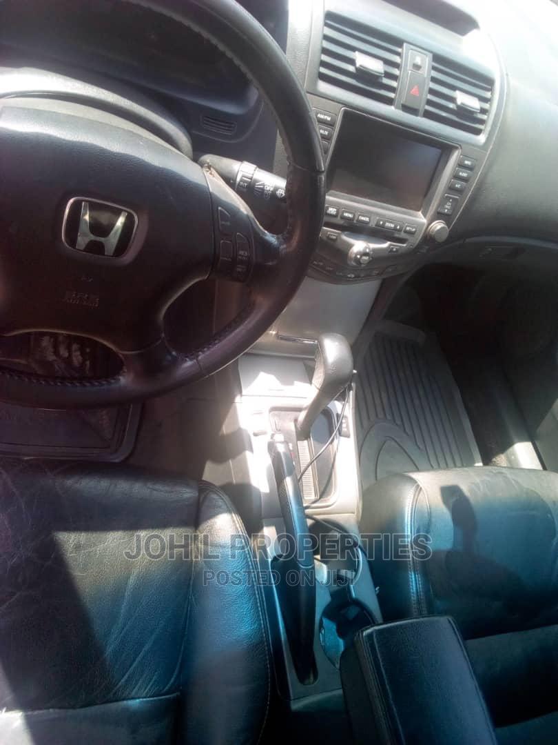Archive: Honda Accord 2005 Sedan LX Automatic Red