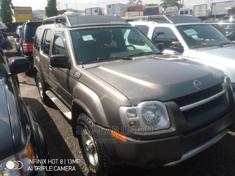 Archive: Nissan Xterra 2004 XE 4x4 Gray