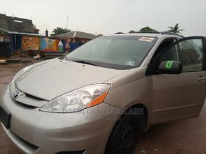 Toyota Sienna 2008 XLE AWD Gold | Cars for sale in Lagos State, Isolo