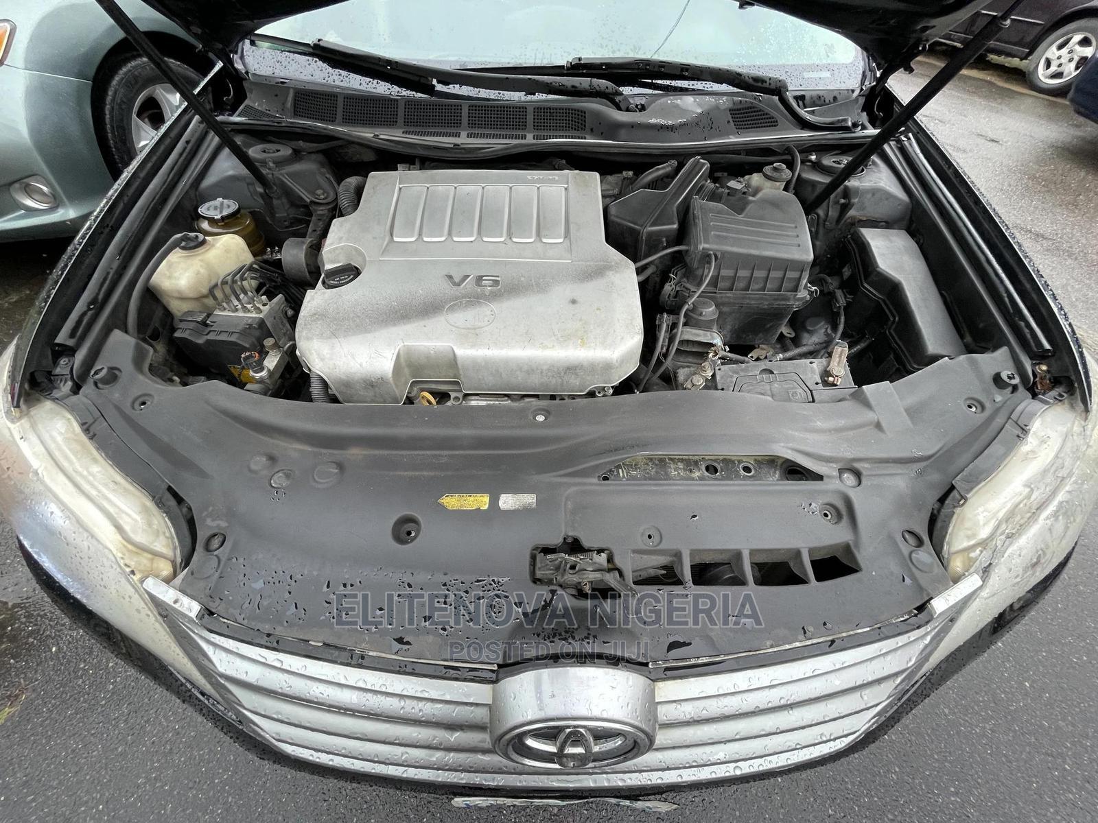 Archive: Toyota Avalon 2011 Black