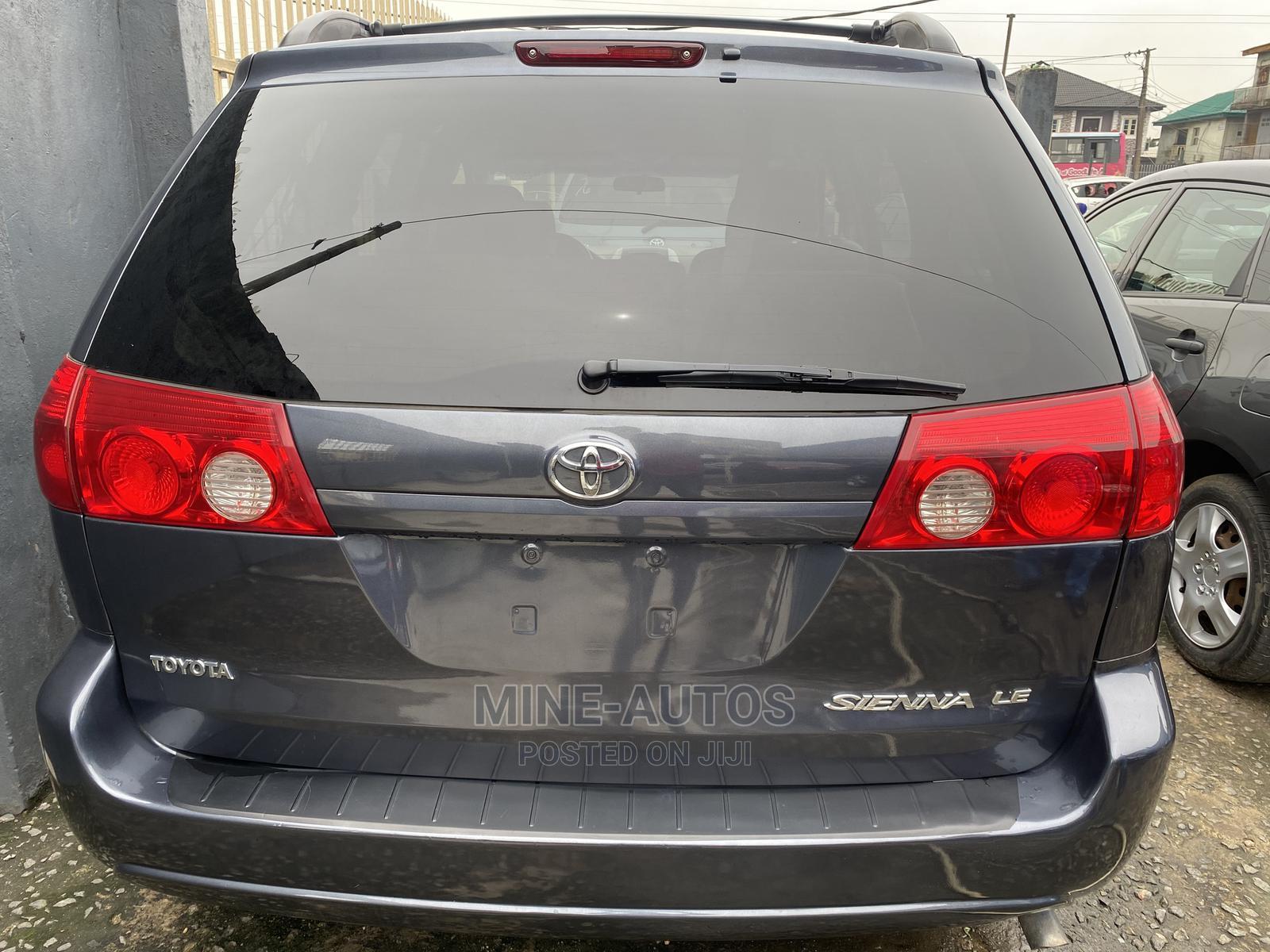 Toyota Sienna 2008 LE Blue | Cars for sale in Agboyi/Ketu, Lagos State, Nigeria