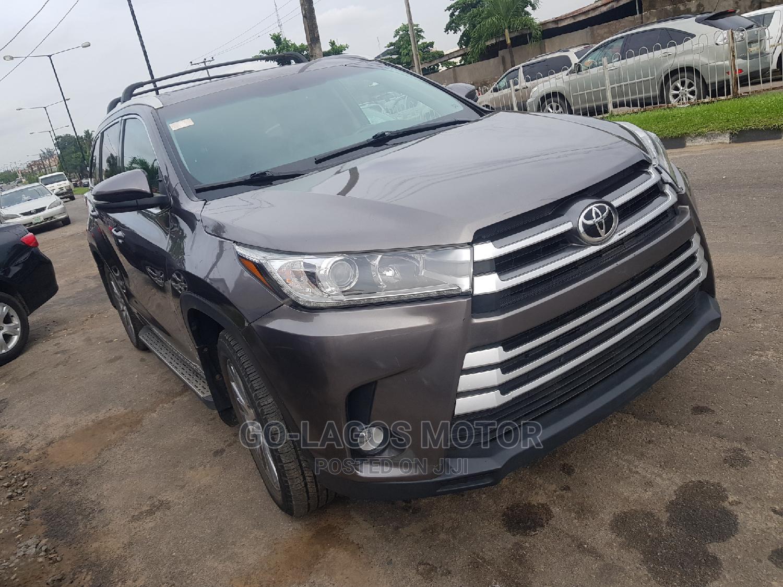 Archive: Toyota Highlander 2014 Gray