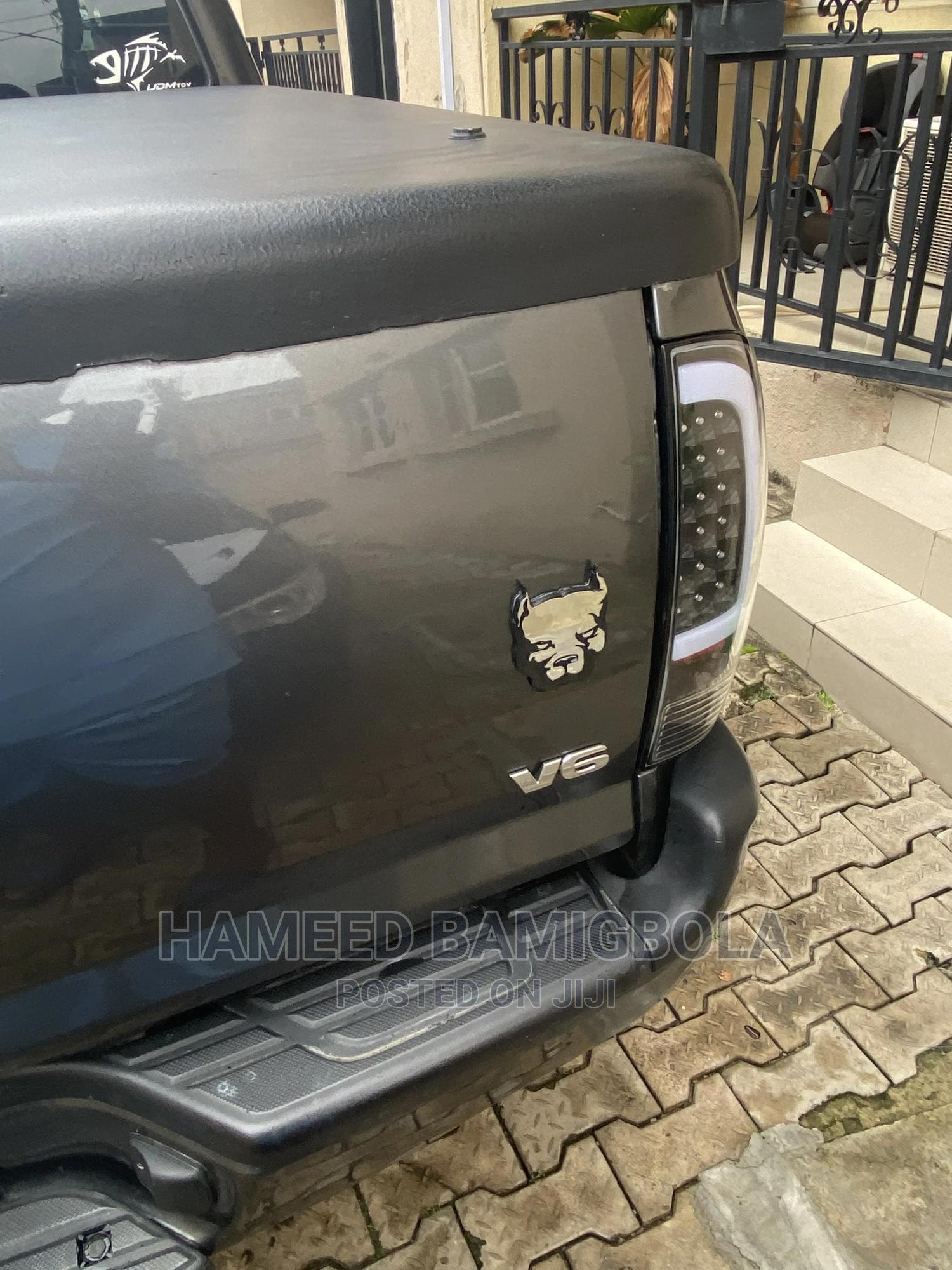 Toyota Tacoma 2012 Double Cab V6 Automatic Gray | Cars for sale in Ikeja, Lagos State, Nigeria