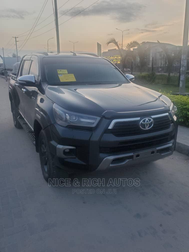 Toyota Hilux 2017 Black | Cars for sale in Lekki, Lagos State, Nigeria