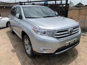 Toyota Highlander 2013 Limited 3.5l 4WD Silver | Cars for sale in Lagos State, Ilupeju