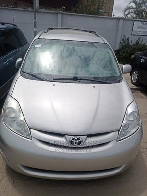 Toyota Sienna 2008 LE Silver   Cars for sale in Lagos State, Amuwo-Odofin
