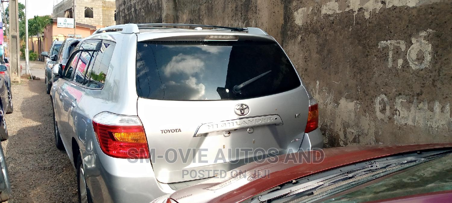 Archive: Toyota Highlander 2009 Limited 4x4 Silver