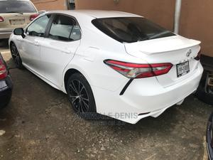 Toyota Camry 2018 SE FWD (2.5L 4cyl 8AM) White | Cars for sale in Lagos State, Ikeja