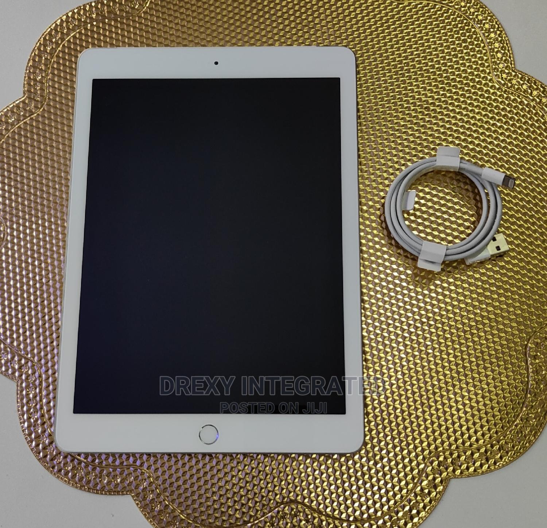 Archive: Apple iPad Air 32 GB Silver