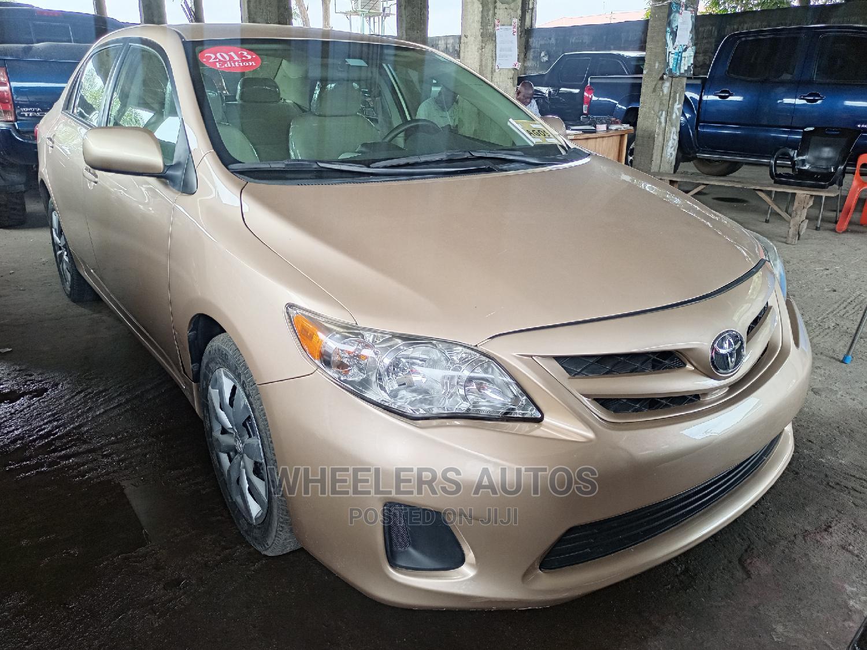 Toyota Corolla 2013 Gold