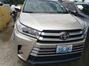 Toyota Highlander 2014 Gold   Cars for sale in Lagos State, Lekki