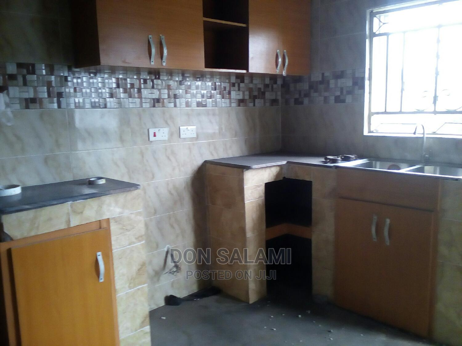 Archive: 2bdrm Apartment in Radio Estate Ozuoba, Port-Harcourt for rent