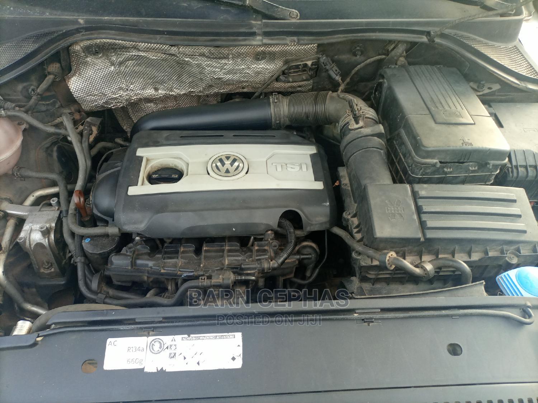 Archive: Volkswagen Tiguan 2010 SE White